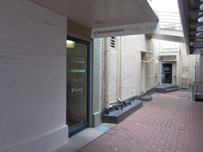 1st floor 7 11 quadrant mall tas 7250 office for lease for Floor quadrant