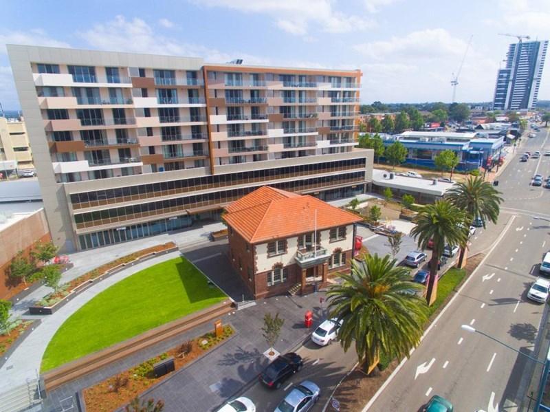 296-306 Macquarie Street LIVERPOOL NSW 2170