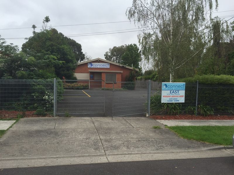 8 Commercial Drive FERNTREE GULLY VIC 3156