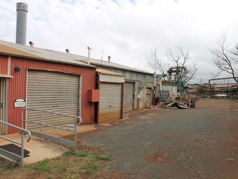 117 North Street HARLAXTON QLD 4350