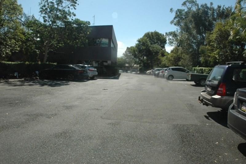 13/13 Karp Court BUNDALL QLD 4217