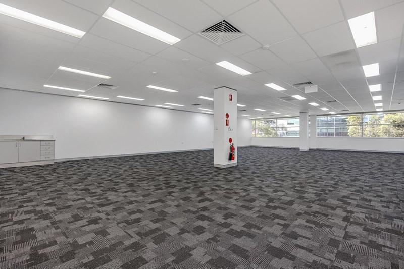 2.07A UNDER OFFER/25 Solent Cct BAULKHAM HILLS NSW 2153
