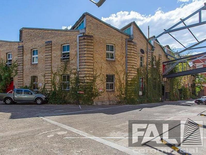 Suite  2/30 Florence Street NEWSTEAD QLD 4006