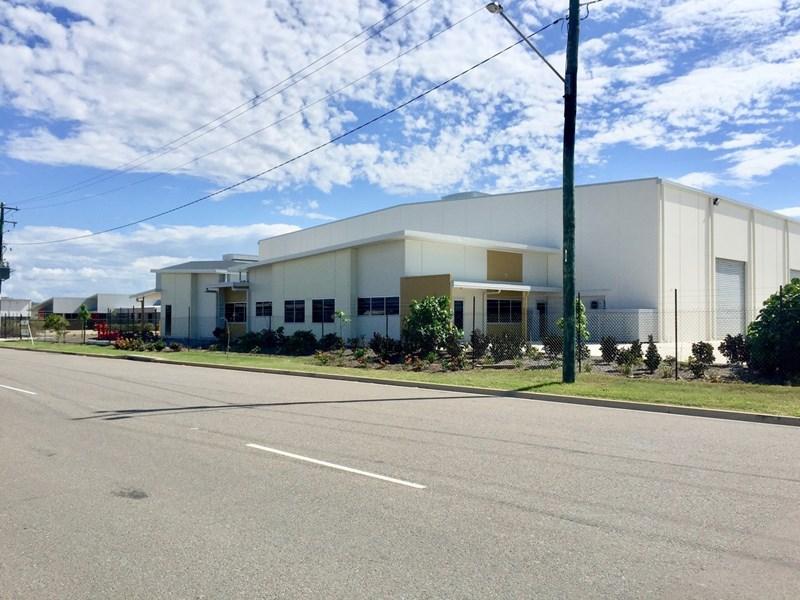 180-186 Webb Drive MOUNT ST JOHN QLD 4818