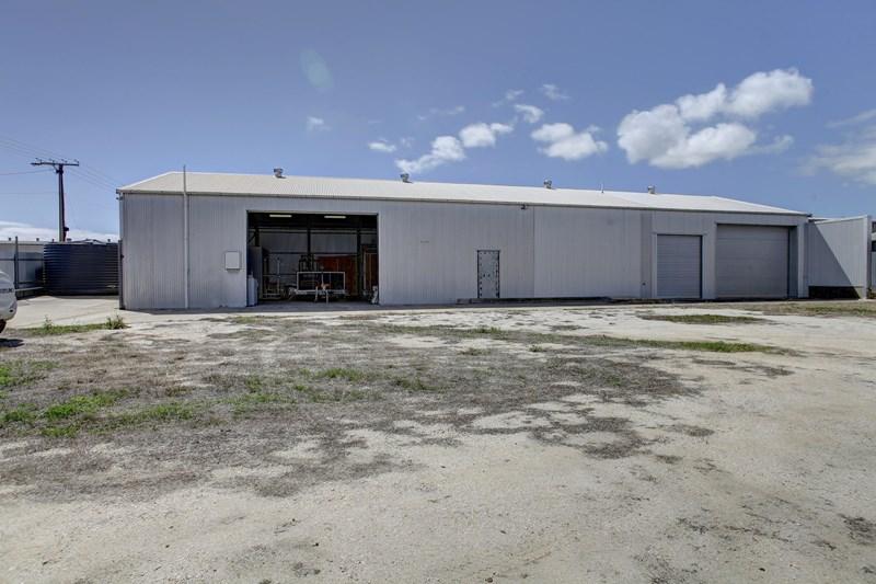17 Riversdale Avenue, Port Lincoln SA 5606 - Image 1