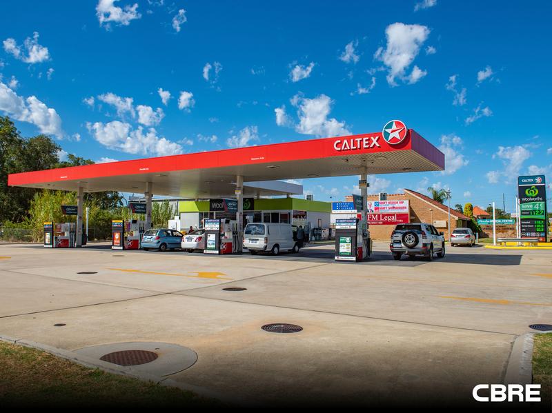 Woolworths Caltex 207 Burslem Drive, Maddington WA 6109 - Image 1
