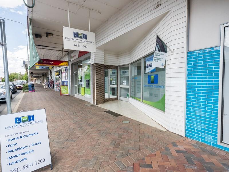 4 Templar Street, Forbes NSW 2871 - Image 2