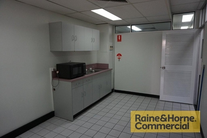 6&7/3368 Pacific Hwy SPRINGWOOD QLD 4127