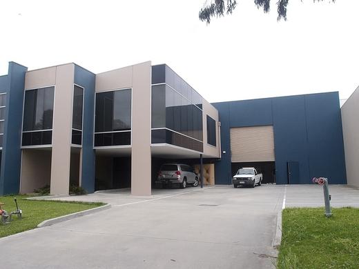 8 Capital Court BRAESIDE VIC 3195