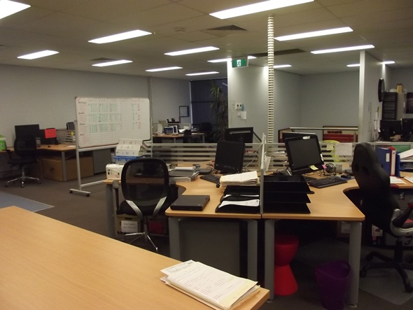 6 KELHAM PLACE GLENDENNING NSW 2761