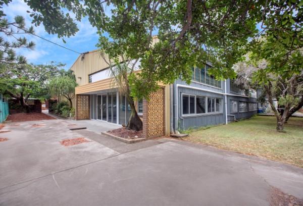 2 & 3/ 310 Fison Avenue EAGLE FARM QLD 4009