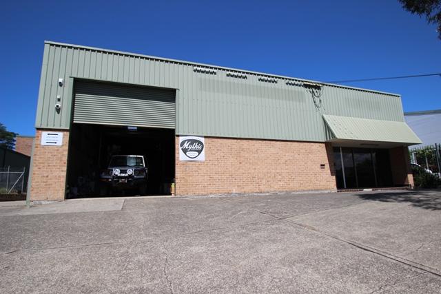 13 Waverley Drive UNANDERRA NSW 2526