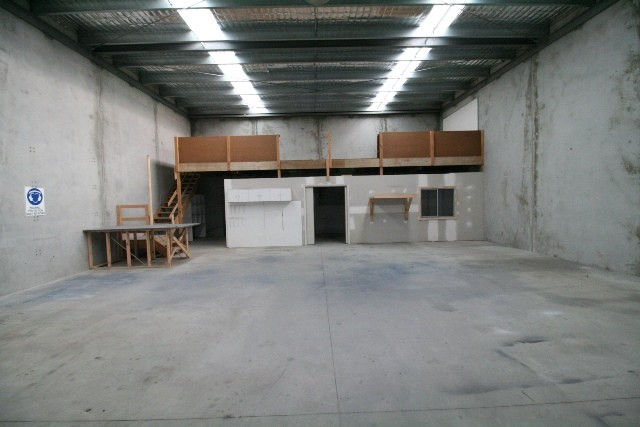 Shed 5/6 Builders Close WENDOUREE VIC 3355
