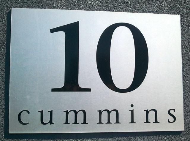 10 A Cummins Street HYDE PARK QLD 4812