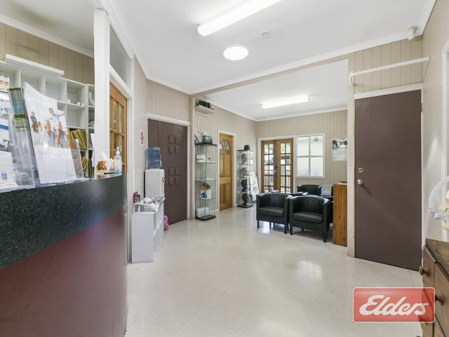 31 Samuel Street CAMP HILL QLD 4152