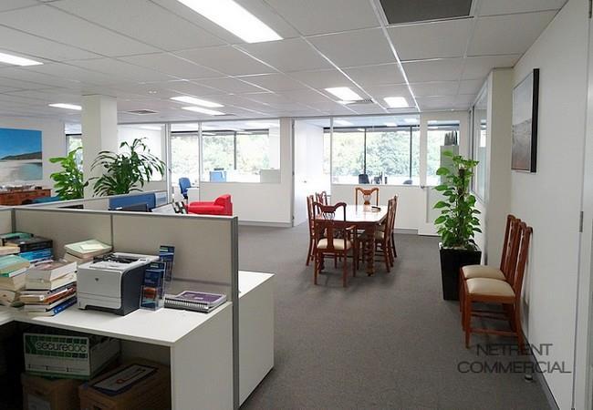 468-470 Kingsford Smith Drive HAMILTON QLD 4007