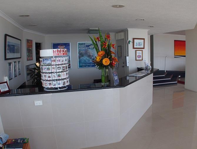 LABRADOR QLD 4215
