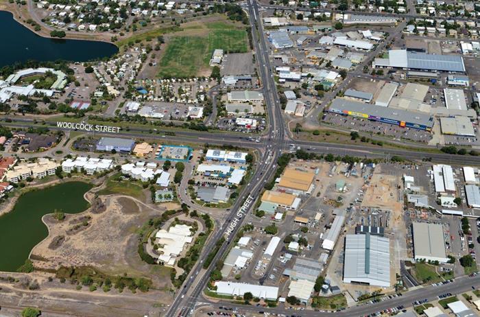 "13-15 Martinez Avenue ""The Lakes"" WEST END QLD 4810"