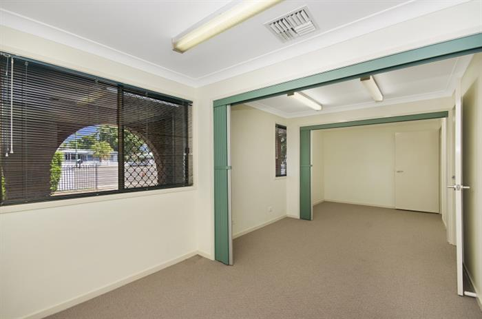99 Ross River Road MUNDINGBURRA QLD 4812