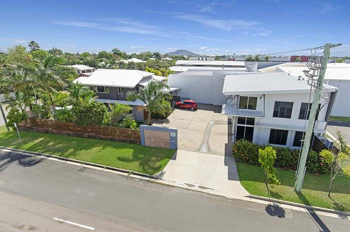 10 Cummins Street HYDE PARK QLD 4812