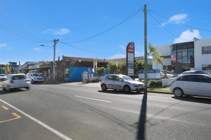 49-51 Johnston Street SOUTHPORT QLD 4215