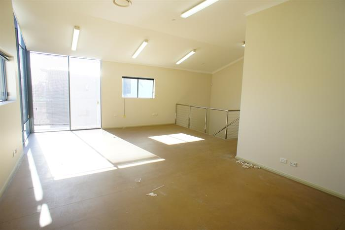 Unit 2, 30 Kinta Drive BERESFIELD NSW 2322