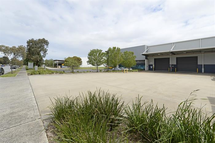 2/88 Henderson Road ROWVILLE VIC 3178