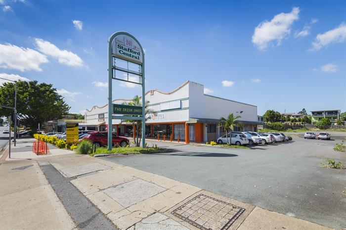 240 Stafford Road STAFFORD QLD 4053