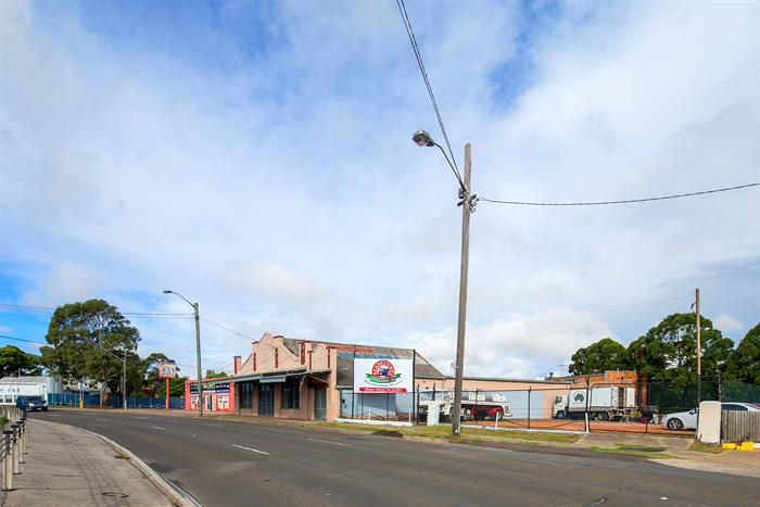 399-403 Hume Highway YAGOONA NSW 2199