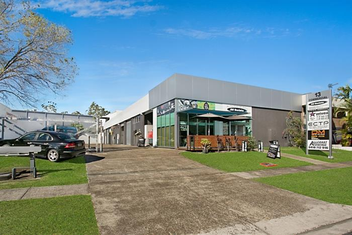 13 Commercial Drive ASHMORE QLD 4214