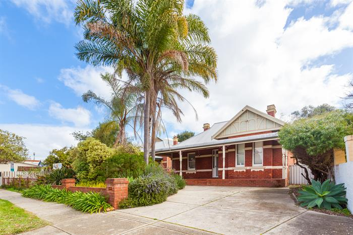 59 Railway Parade MOUNT LAWLEY WA 6050