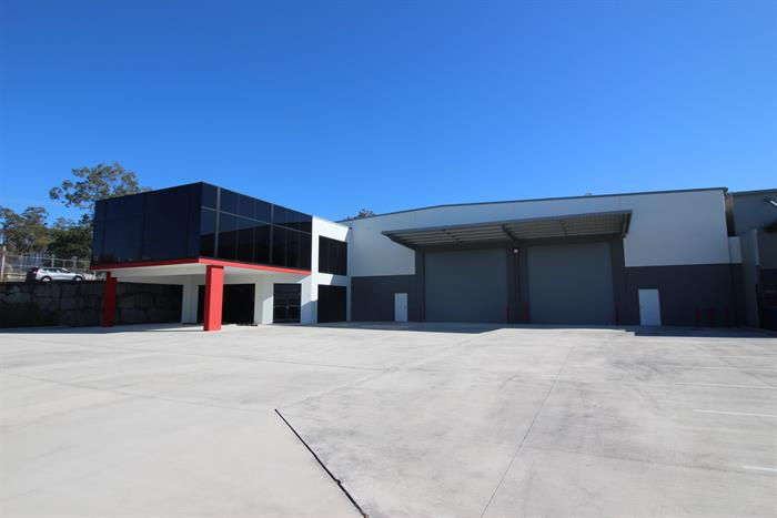 8 Bluestone Circuit SEVENTEEN MILE ROCKS QLD 4073