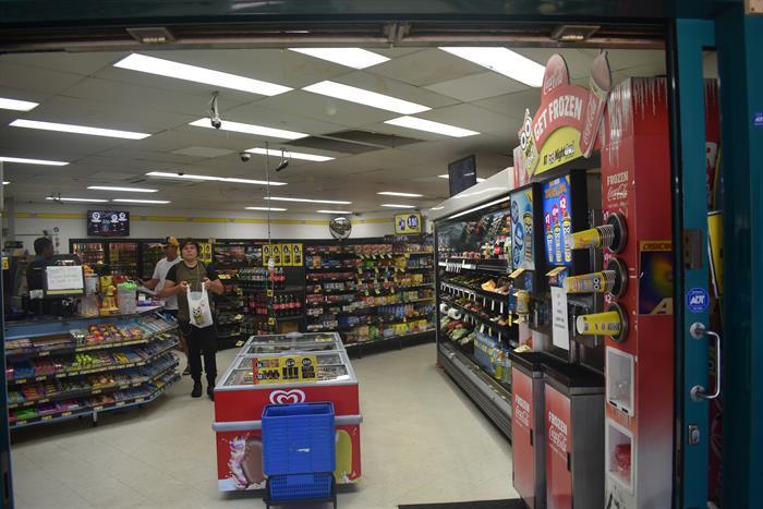 Shop 5, 3 Tarcoola Avenue MOOLOOLABA QLD 4557
