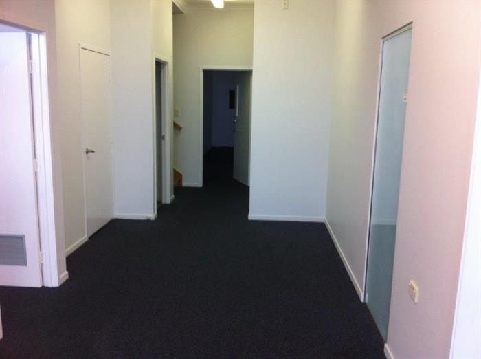 Suite 3, 264 Woolcock Street CURRAJONG QLD 4812