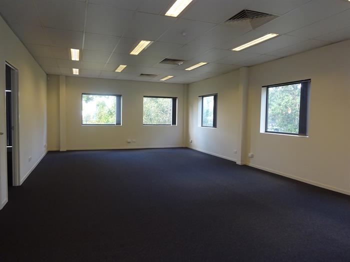 112 Stenhouse Drive CAMERON PARK NSW 2285