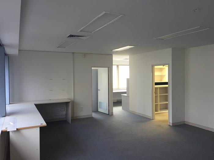 18 Carrara Street BENOWA QLD 4217