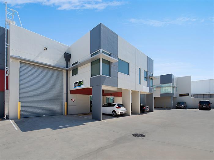 16/720 Macarthur Avenue PINKENBA QLD 4008