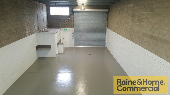 1 55 Tradelink Road HILLCREST QLD 4118 Industrial Warehouse Property