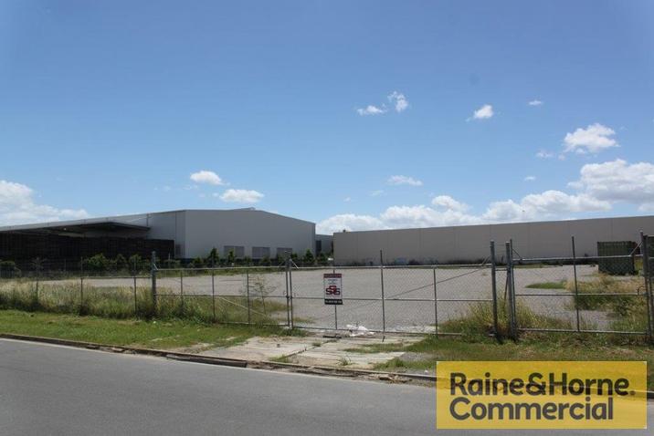 7-11 Badu Court MEADOWBROOK QLD 4131