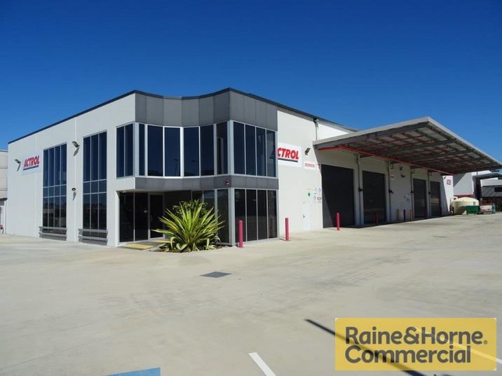 100 Southlink Street PARKINSON QLD 4115