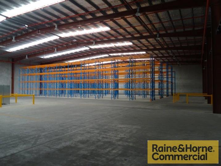 100 Southlink Street PARKINSON QLD 4115