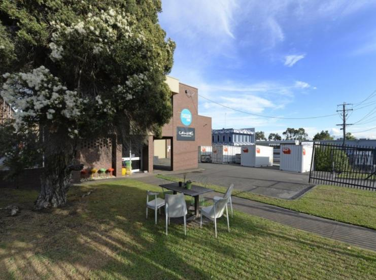 6 Treforest Drive HUGHESDALE VIC 3166