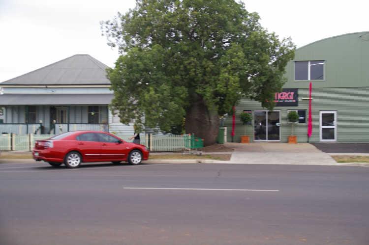 4 Cunningham Street DALBY QLD 4405