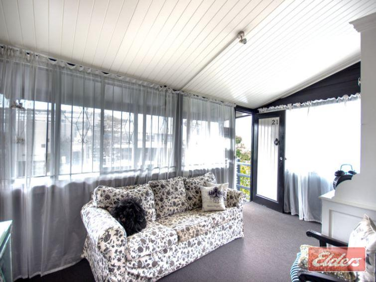 21 Mayneview Street MILTON QLD 4064