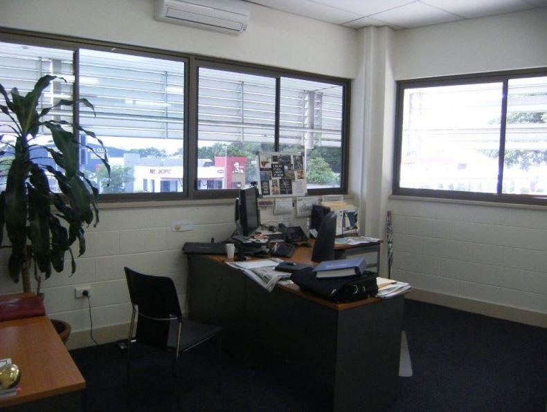 153 Charters Towers Road HYDE PARK QLD 4812