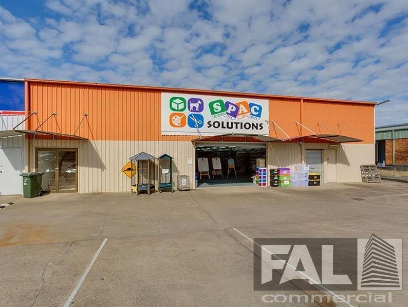 Shop  4A/42 Spine Street SUMNER QLD 4074
