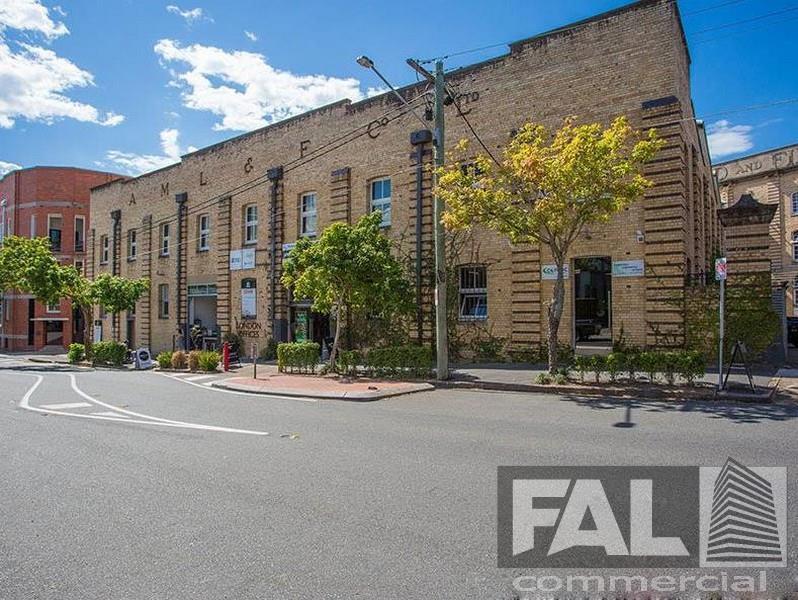 30 Florence Street NEWSTEAD QLD 4006