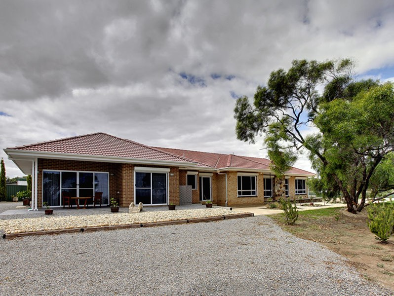 697 Commercial Road MASLIN BEACH SA 5170