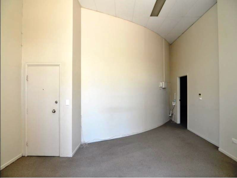 86 Ogden Street TOWNSVILLE CITY QLD 4810