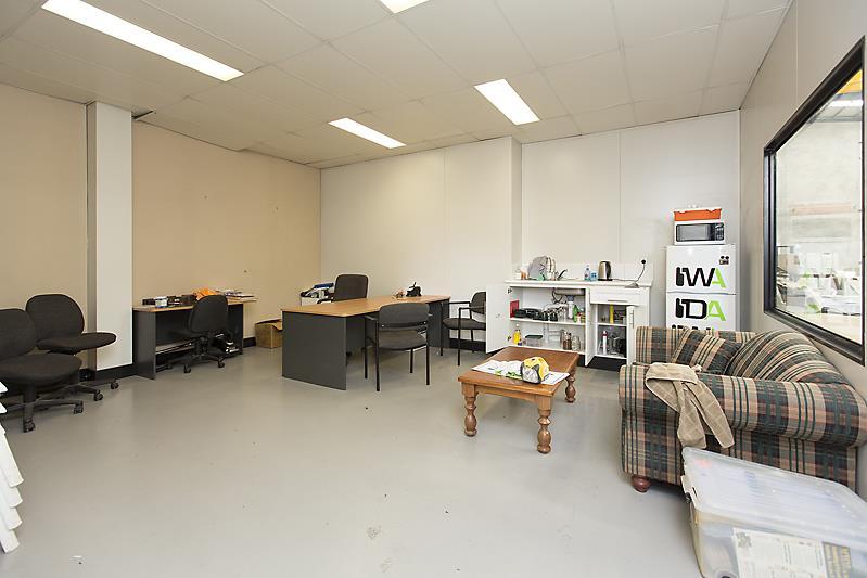 Unit 3/36 Warman Street NEERABUP WA 6031